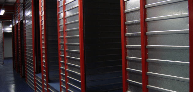 Por dentro de um guarda móveis